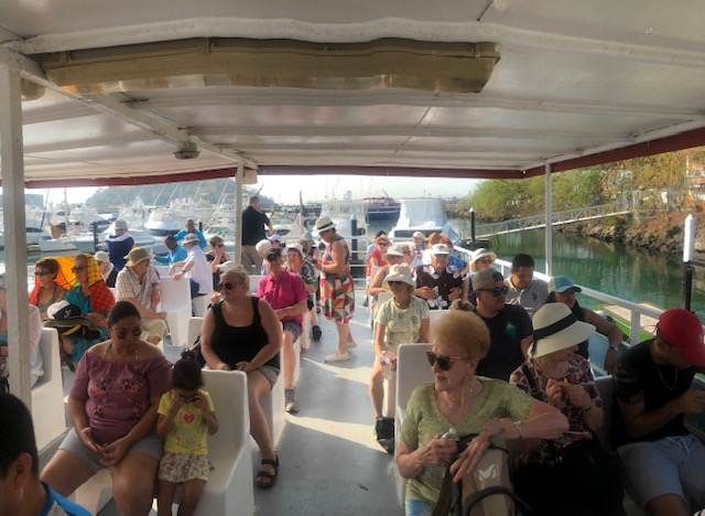 Départ en ferry pour l'île Taboga le 12 avril