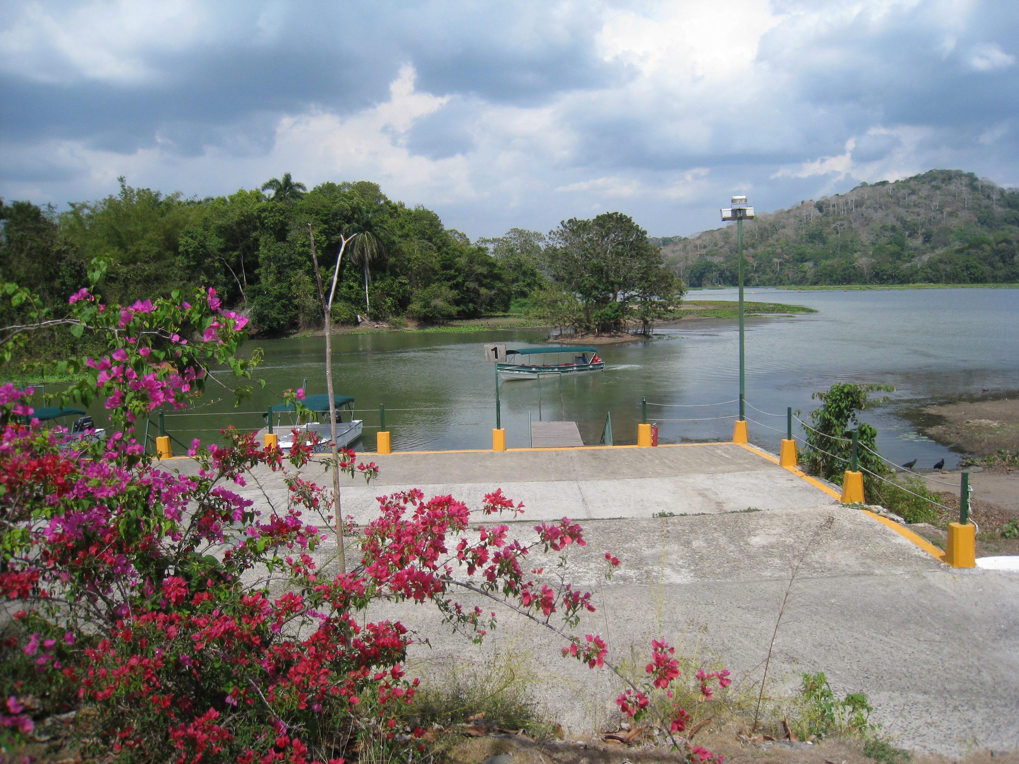 Marina sur le lac Gatun